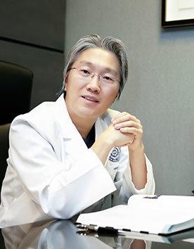 韩国新帝瑞娜整形医院郑钟必