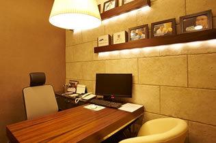 韩国TopClass整形外科院长商谈室