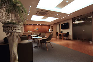 韩国MeTop整形医院等候室