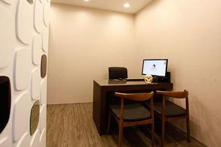 韩国KOREA整形外科医院商谈室