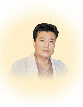 Hwang Min Hyo院长