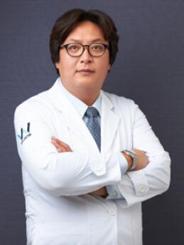 韩国原辰整形外科-李学昇