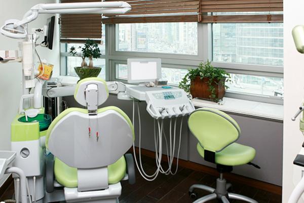 韓國EROM牙科醫院治療室照片