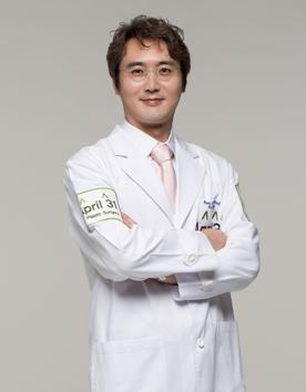 韩国4月31日整形医院-朴晟皖