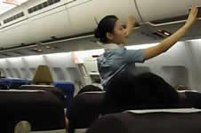 空姐适合哪种隆鼻形态,水滴鼻还是小翘鼻?
