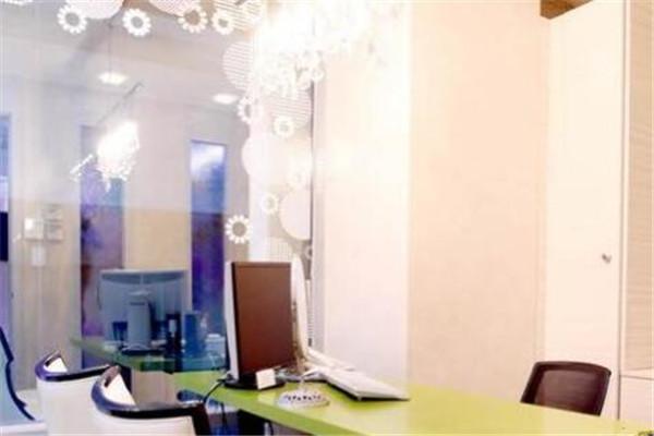韩国AURORA整形外科咨询室