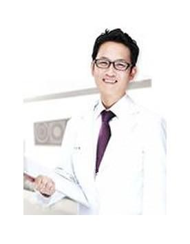 韩国AURORA整形外科李志永