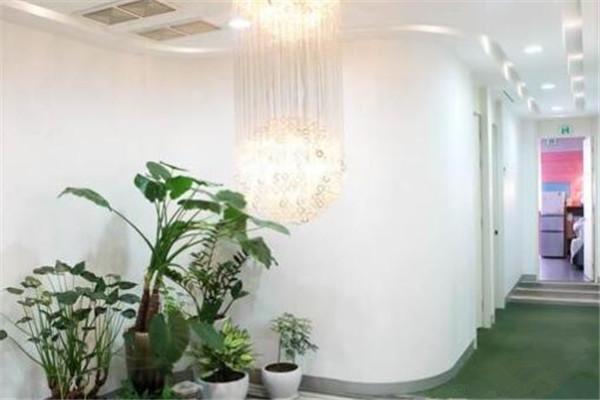 韩国AURORA整形外科走廊