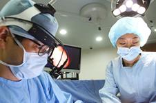 韩国爱琳和棒棒医院隆胸优势分析!
