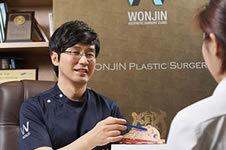 想做假体隆胸,韩国原辰、A特、玛博尔哪家医院技术好?