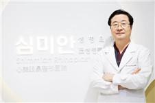 韩国鼻部整形专家李炳浍和郑东学哪个好