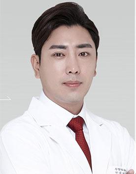 韩国爱我整形外科金淍湖