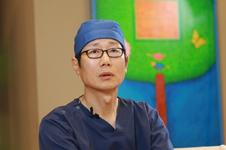 成镇模院长亲口讲述:清潭第一整形外科到底有啥不一样?
