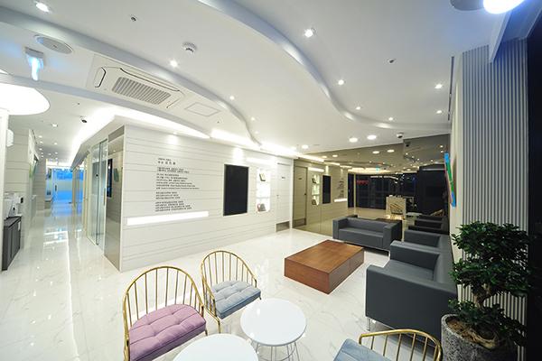 韩国winner整形外科大厅环境图片