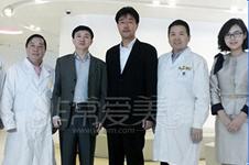 兔唇鼻子塌修复成功案例分享,韩国这些医院做唇腭裂不错!