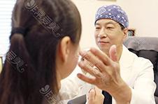 眼皮松弛做双眼皮还是提眉好?韩国纯真改善眼皮松弛如何