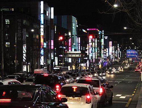 韩国整形一条街整形医院林立