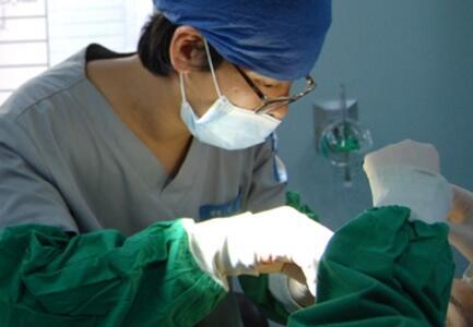 清潭优整形医院眼鼻综合整形手术过程