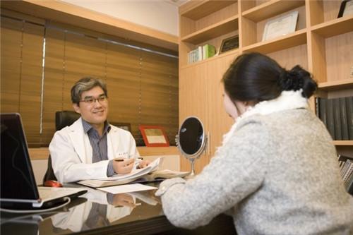 韩国nano整形医院赵重衍院长术前沟通