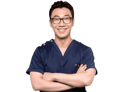 韩国diva整形医院医生图