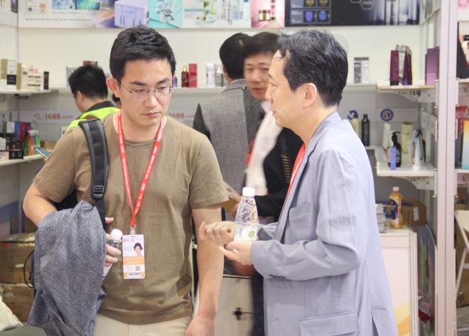韩国365mc医院上海美博会照片