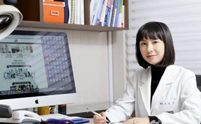 韩国童颜医院具昭延院长照片
