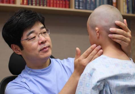 韩国普罗菲耳整形外科郑在皓面诊照片