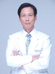 韩国耶斯整形外科黄泳重院长照片