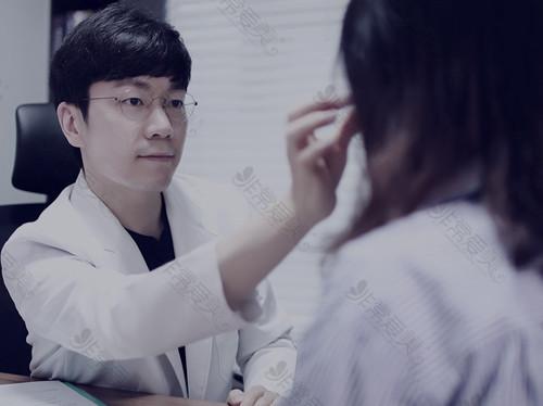 韩国来客医院李勇雨