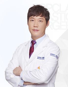 韩国顶级整形外科朴建昱