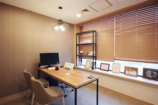 韩国女神整形医院商谈室