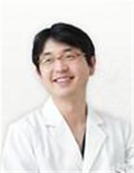 狎鸥亭Line整形外科-尹智焕