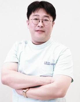 韩国YNT整形医院李秉烈