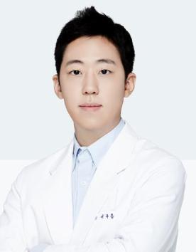 압구정 디엠성형외과의원李柱洪