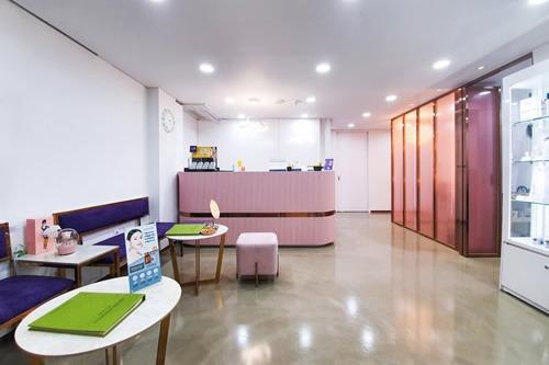 韩国清潭优整形外科大厅