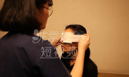 清潭第一成镇模院长双眼皮手术后