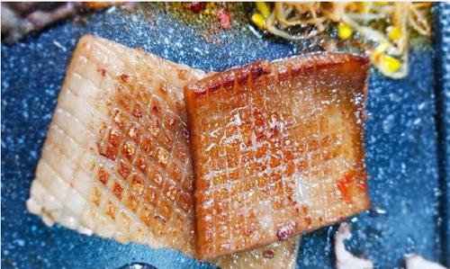 韩国美食烤猪皮