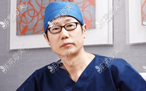 韩国清潭first整形外科成镇模院长