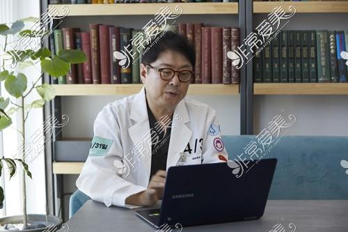 韩国挛缩鼻修复医生金载勋