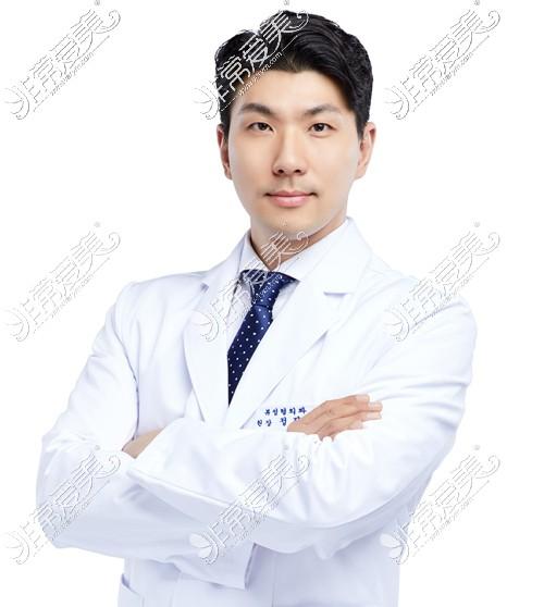 韩国必妩整形医院郑珍旭