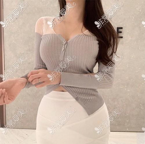 韩国歌柔飞腹部吸脂照片